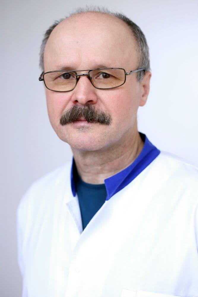 Dr. Romeo Artenie