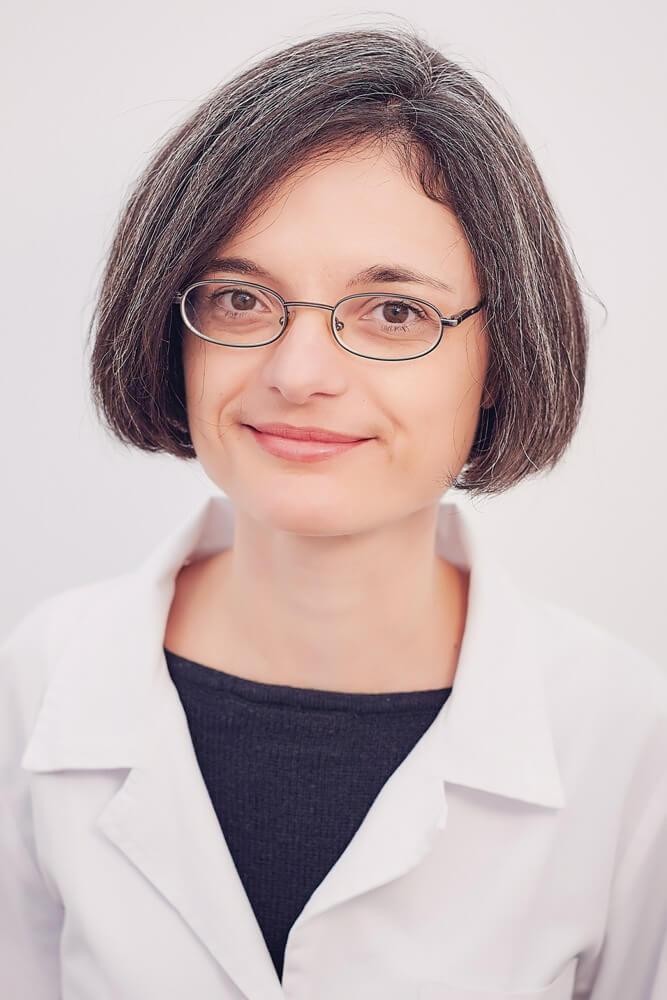 Dr. Eliza Simiraș